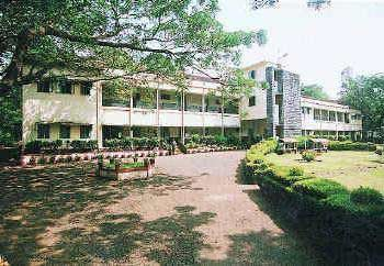 M.E.S. Raja Boarding School and Junior College