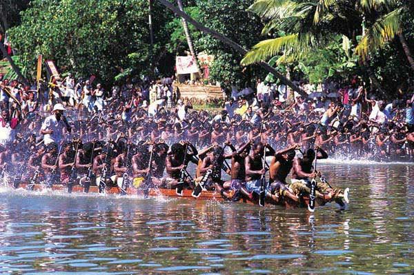 Champakkulam Boat Race 2013