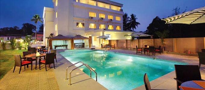 Hotel Wyte Portico in Pathanamthitta